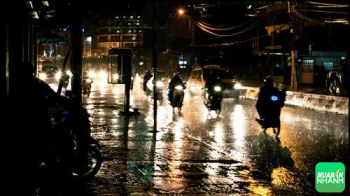 Kinh nghiệm lái xe máy Sirius Fi dưới trời mưa