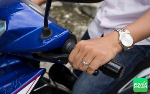 """""""Mẹo"""" chạy xe côn tay Yamaha Exciter 150 trong phố"""