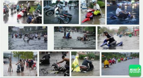 Phải làm gì khi xe máy bị ngập nước chết máy vào mùa mưa