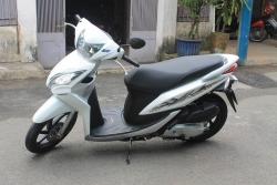 Nên chọn mua xe máy của hãng Honda hay Yamaha tốt hơn