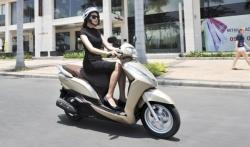 Kinh nghiệm vàng khi mua xe tay ga cho nữ - Xe máy Honda Lead 2015