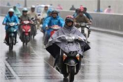 Những điều nên lưu ý khi chạy xe máy lúc trời mưa