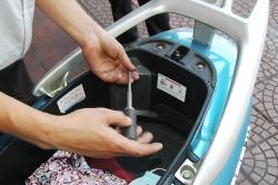 Cách kiểm tra và bổ sung nước làm mát xe tay ga