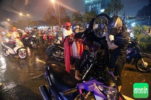 Mẹo đi xe máy an toàn khi trời mưa to, ngập lụt, 270, Uyên Vũ, Chuyên trang Xe Máy của MuaBanNhanh, 19/03/2016 09:05:46