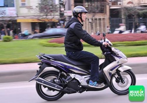 Kinh nghiệm lái xe máy giúp bạn tiết kiệm xăng tối đa, 273, Uyên Vũ, Chuyên trang Xe Máy của MuaBanNhanh, 19/03/2016 09:25:08
